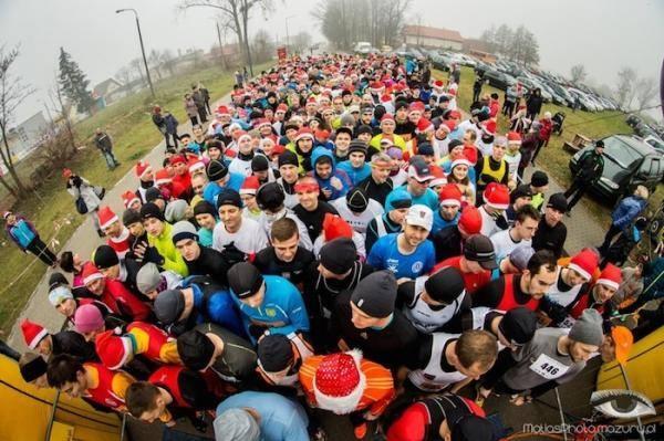 Obraz dla: Mikołajkowy Półmaraton Biegowy  (08 grudzień 2019)